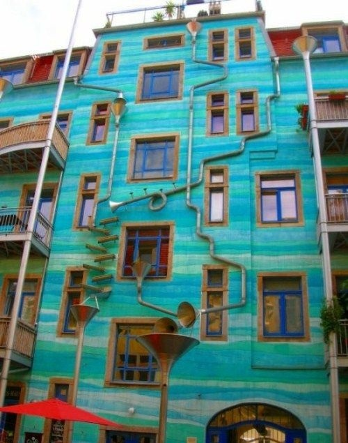 Building in Dresden, Germany that plays music when it rains!