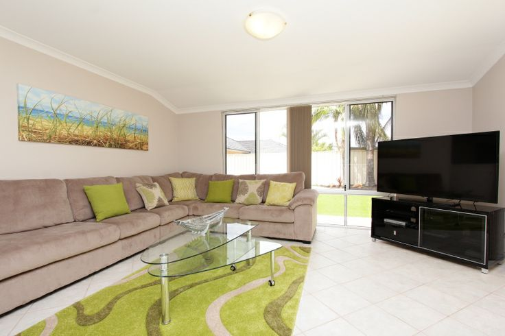 Adare House - Family Room with HDTV