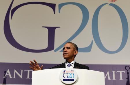 16日、トルコ・アンタルヤで記者会見するオバマ米大統領(AP=共同) ▼17Nov2015共同通信|同時テロは「悲惨な後退」 対イスラム国で、オバマ氏 http://www.47news.jp/CN/201511/CN2015111601002163.html