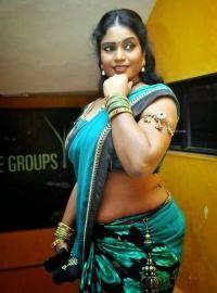 naken baksidan av södra indisk kvinna