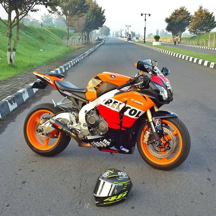 best 25 yamaha yzf r6 ideas on pinterest yamaha r6 yamaha yzf r and motor r6. Black Bedroom Furniture Sets. Home Design Ideas