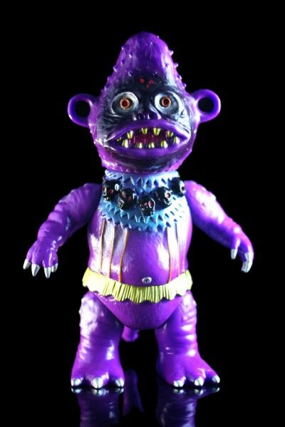 ZOLLMEN Bobongo from Toy Karma 3: Aliens Parties, Art Toys, Art Design Photography Ect, Mad Science, Big Battle, Toys Karma, Zollmen Bobongo, Kaiju Big, Toys Boudin