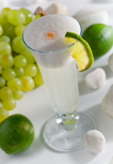 El Pisco Sour - Restaurante Peruano Chancha - El Pisco Sour es un cóctel elaborado con pisco (una clase de uva), que proviene del aguardiente. Está elaborado de una quebranta de uva de Ica, situada entre los ríos Ica y Pisco, de aquí su nombre...