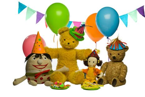 All the playschool toys: big ted, little ted, humpty and jemima are having a party! YAAAY!