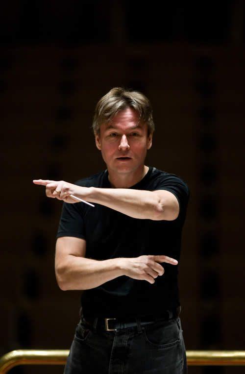 Esa-Pekka Salonen, conducts Mahler's 9th Symphony like no one else.