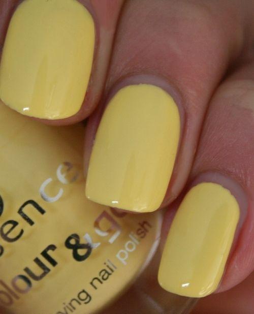 Yellow Nail Polish On: Top 25+ Best Yellow Nail Polish Ideas On Pinterest