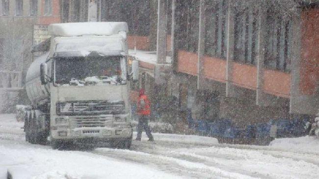 In attesa del miglioramento previsto per il fine settimana la neve è scesa tutta notte. Sulla A1 stop ai mezzi pesanti, treni rallentati nella zona di Bologna ჱ ܓ ჱ ᴀ ρᴇᴀcᴇғυʟ ρᴀʀᴀᴅısᴇ ჱ ܓ ჱ ✿⊱╮ ♡ ❊ ** Buona giornata ** ❊ ~ ❤✿❤ ♫ ♥ X ღɱɧღ ❤ ~ Fr 06th Feb 2015