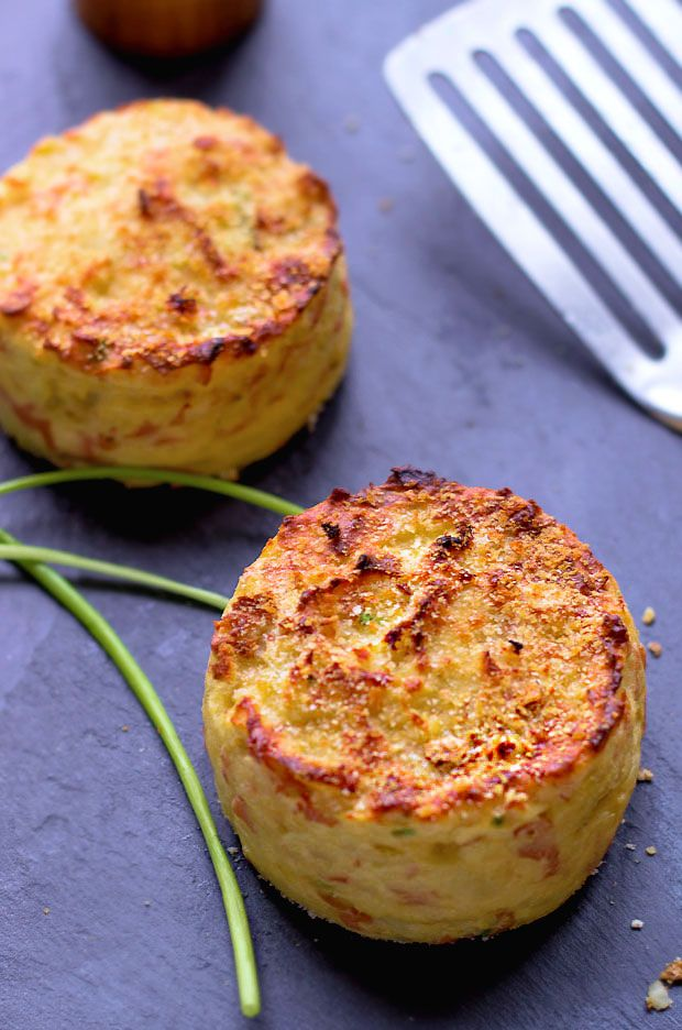 mashed potato cakes recipe: added 1 cup grated cheddar, sub-ed in leftover gravy for butter and milk, divided into muffin tin and baked for about 20 minutes.