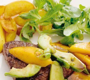 Biefstuk met avocado en mango - Recept - Jumbo Supermarkten