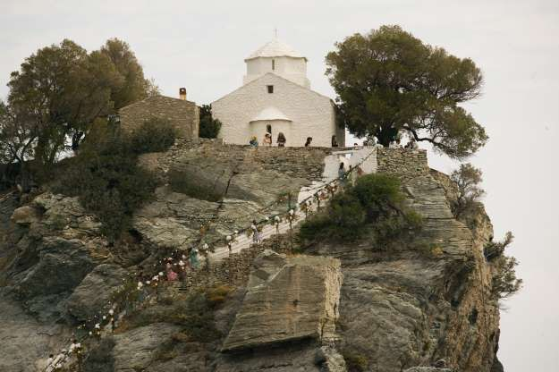 Agios Church From Filming Here S A Scene From The Original Film This Was The Very Same Church Where Sophie S Aman Mamma Mia Wedding Mamma Mia Wedding Scene