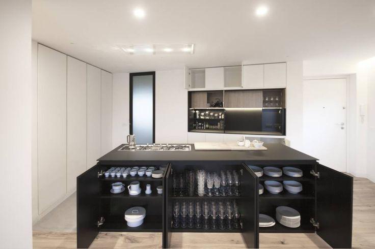 https://www.i-sabuy.com/ Casa A157: Cucina in stile in stile Minimalista di Studio DiDeA architetti associati