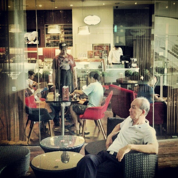 Chilling Out At Hagen Daz Vivocity Saturday Singapore Toptensingapore