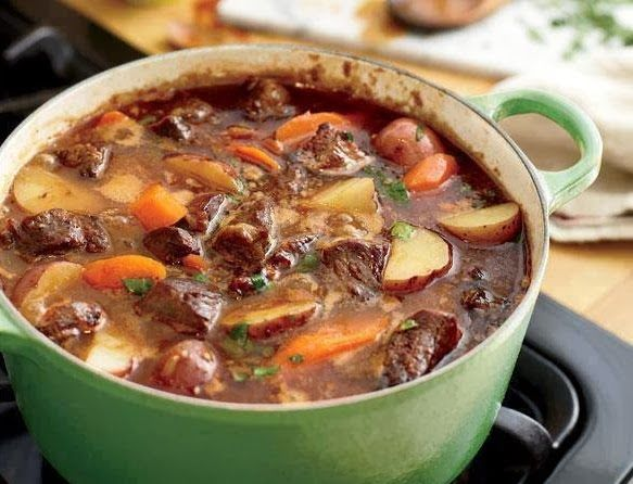 Best recipes in world: Beef Stew - This looks like the best pot of beef stew I have seen...now to make it!!! PS be sure to make some HOMEMADE biscuits to go with this one