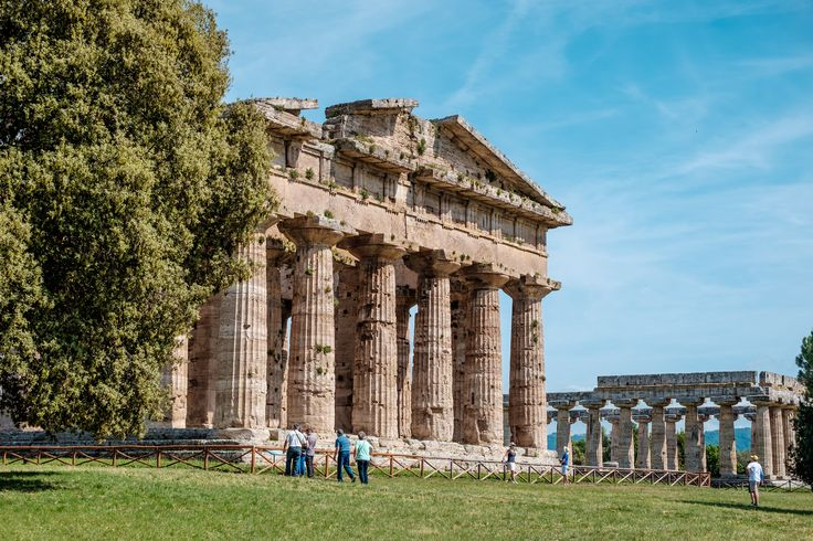 #Archaeological #Site and Ruins of #Paestum :) #history #romanamphitheater #museums #greektemples #dorictemples #temples #magnagrecia #southofitaly #visititaly #visitcilento #visitpaestum #cilento #sea #sun #picoftheday #temples #archaelogicalsite #paestumarchaeologicalsite #riunsofpaestum #doric #roman