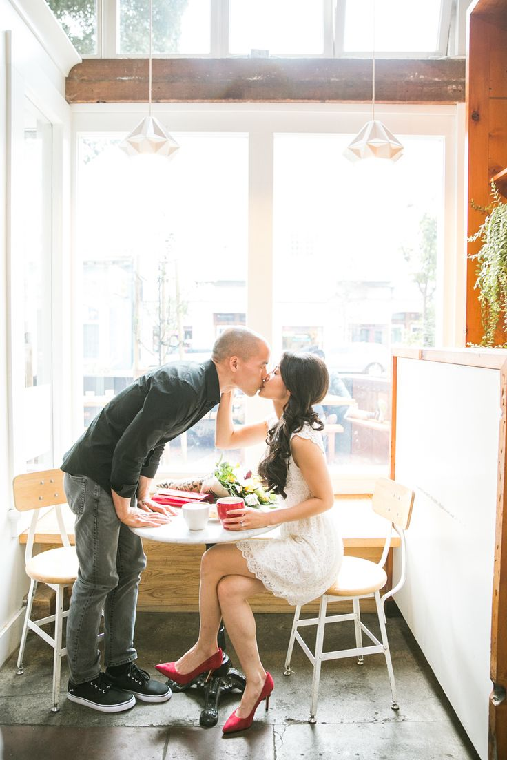 The cutest coffee shop e-sesh: Photography : Jasmine Lee Photography Read More on SMP: http://www.stylemepretty.com/little-black-book-blog/2016/06/07/san-fran-cute-coffee-engagement-shoot/