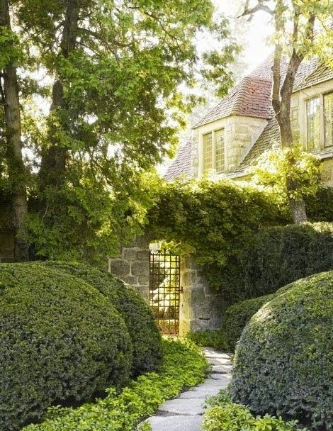 Boxwood, pachysandra, simple landscape, iron gate, stone wall, Green Garden Landscape