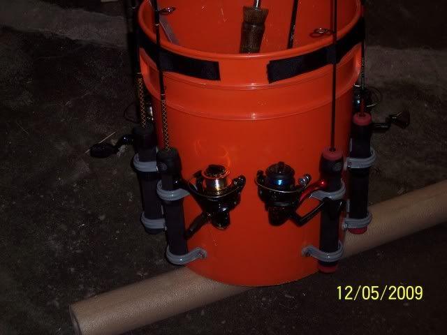 How to make bucket rod holder?