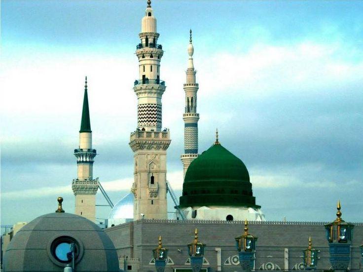 Masid e Nabwi, Madina  http://www.acenature.com/most-beautiful-mosques-in-the-world/