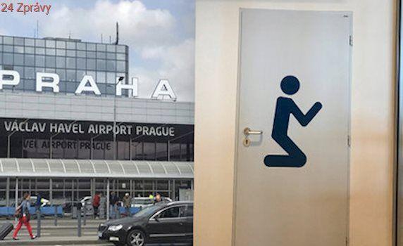 Co se na letišti skrývá za dveřmi s klečícím panáčkem? Bible, korán i koberečky