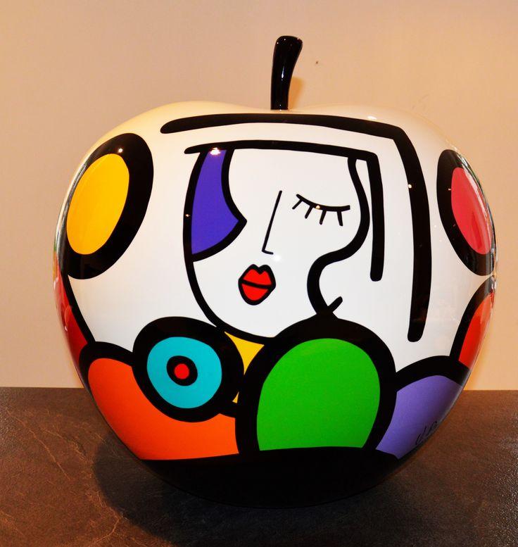 Galerie Duret - Virginia Benedicto - Armony - Acrylique sur résine, vernis - 60cm - 2015 #virginiabenedicto #artwork #artcontemporain #galerieduret