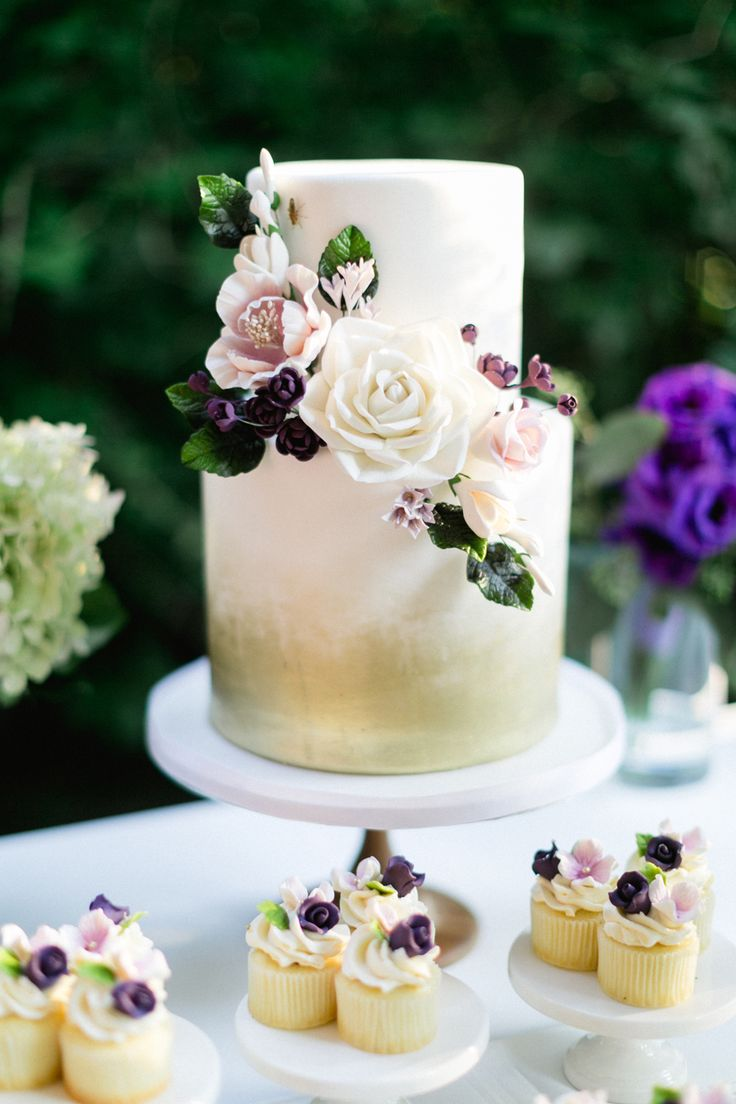 Two tier gold floral wedding cake: Photographer: Corina V. Photography - corinavphotography.com   Read More on SMP: http://www.stylemepretty.com/2016/12/19/food-wine-hip-hop-music-our-kind-of-wedding/