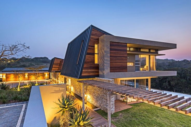 Albizia House / Metropole Architects. Simbithi Eco Estate, South Africa
