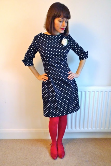 Tilly and the Buttons: Polka Dot New Look 6000. This is a rather lovely-looking dress. I wonder if I could have a go at sewing it...