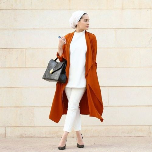 asia akf classy look- Asia Akf street style looks http://www.justtrendygirls.com/asia-akf-street-style-looks/