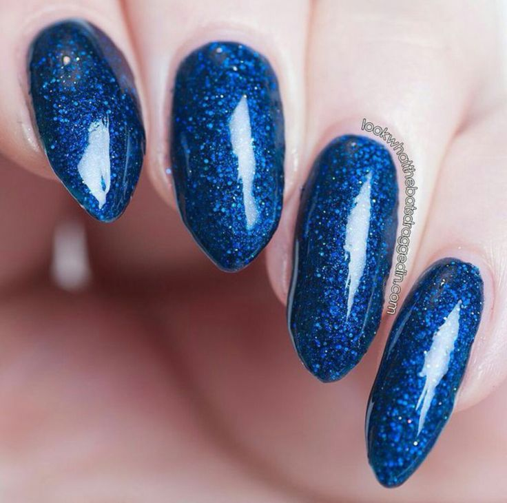 Moonstone Nail Polish will be a vendor at Aussie Indie Con being held in Sydney on June 17th 2017 https://www.facebook.com/AussieIndieCon/?fref=ts   Moonstone Nail Polish Starlight swatched by https://www.instagram.com/battylacquer/