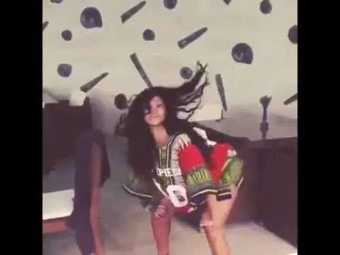 #Watch Rihanna twerking to Vybz Kartel (Rambo Kanambo) [Video]  - http://www.yardhype.com/watch-rihanna-twerking-to-vybz-kartel-rambo-kanambo-video/