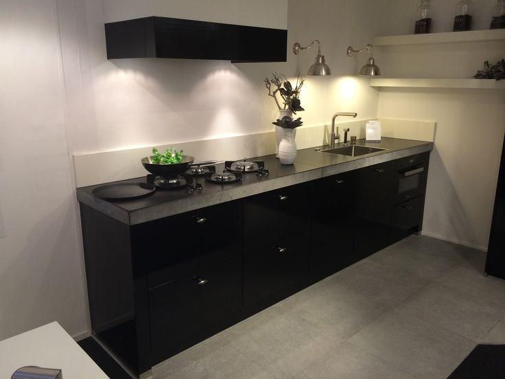 Keuken Onder Trap : Kast onder trap 150ifm. latest maatwerk kasten in inrichting with