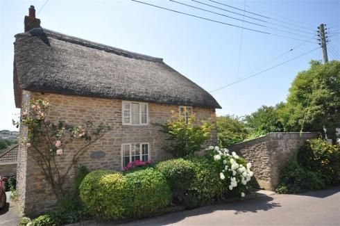 New Cottage Hom Cot 3 bedrooms sleeps 5 close to Bridport beautiful inside.   http://www.dream-cottages.co.uk/cottage-details/HOMEC