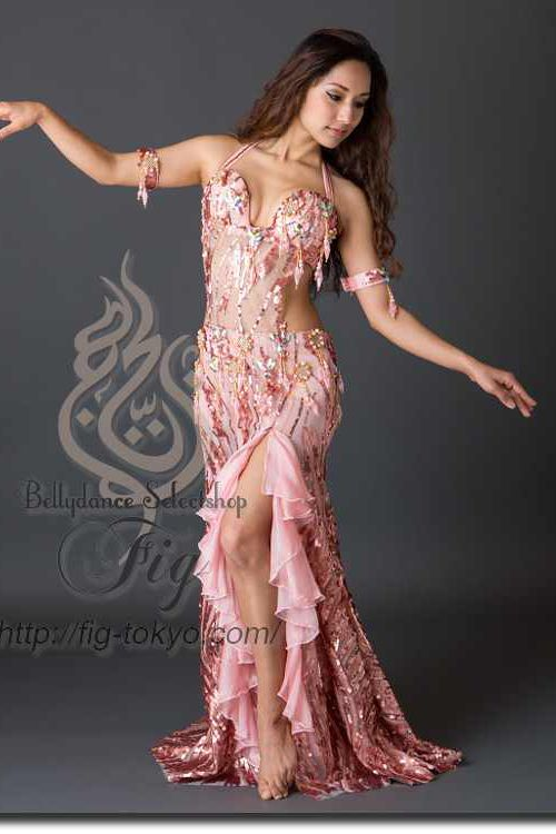 belly dance dance of the countryside Dances of egypt - belly dance performance video  with glimpses of the countryside, the people, and their lifestyles the performances take place in cities,.