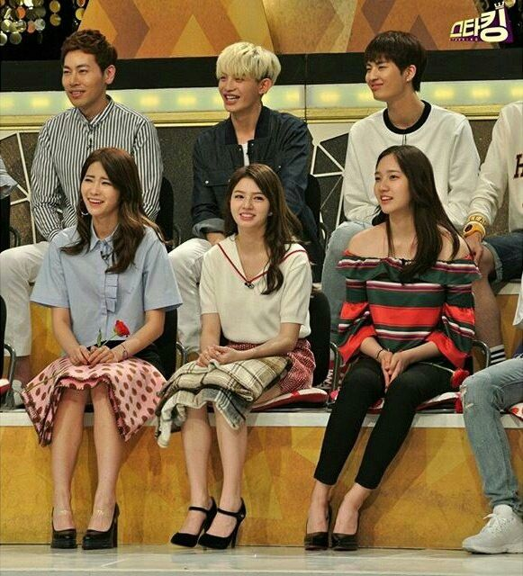 Dani, Cathy, Shannon and UP10tion at SBS Star King (4)