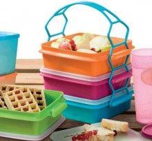 Produk tupperware carry all set adalah wadah makanan atau rantang tupperware saat piknik keluar kota, berkunjung ke teman atau keluarga.