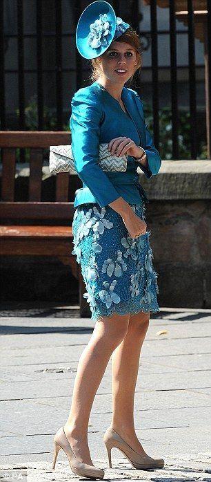 Ошибки стилиста, модиста и самой принцессы Беатрис http://www.loyalroyal.me/oshibki-stilista-modista-i-samoy-printsessyi-beatris/