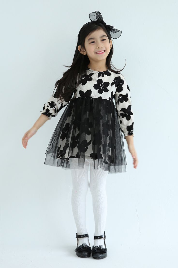 Ozkiz Mary Fine Dress. Perfect for F/W season 2016. OZKIZ, a Korean top brand for kids clothes and shoes collection, founded in 2010. Get it now on www.ozkiz.com Also available on www.amazon.com #오즈키즈 #아동원피스 #배우 #예쁜아기 #공주 #예쁜아기옷 #베이비그램 #엄마스타그램 #맘스토리 #아동복코디 #아동복쇼핑몰 #줌마스타그램 #옷추천 #인스타셀럽 #키즈패션 #딸스타그램 #소통 #예쁘니 #키즈맘 #ootd #kidsfashion #kidsactress #kidsstyle #Ozkiz #kidsmodel #princessdress #kidspartydress #partydress #kidseveningdress