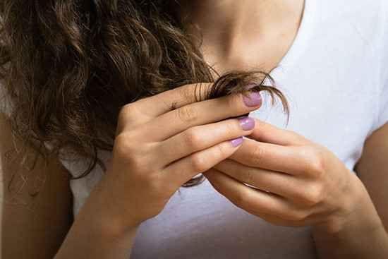 L'huile de ricin a de nombreux bienfaits étonnants que vous ne soupçonnez pas. Surtout quand il s'agit de la beauté des cheveux et de la peau.  Découvrez l'astuce ici : http://www.comment-economiser.fr/6-bienfaits-huile-ricin-pour-les-cheveux-et-la-peau.html?utm_content=buffer42b6c&utm_medium=social&utm_source=pinterest.com&utm_campaign=buffer