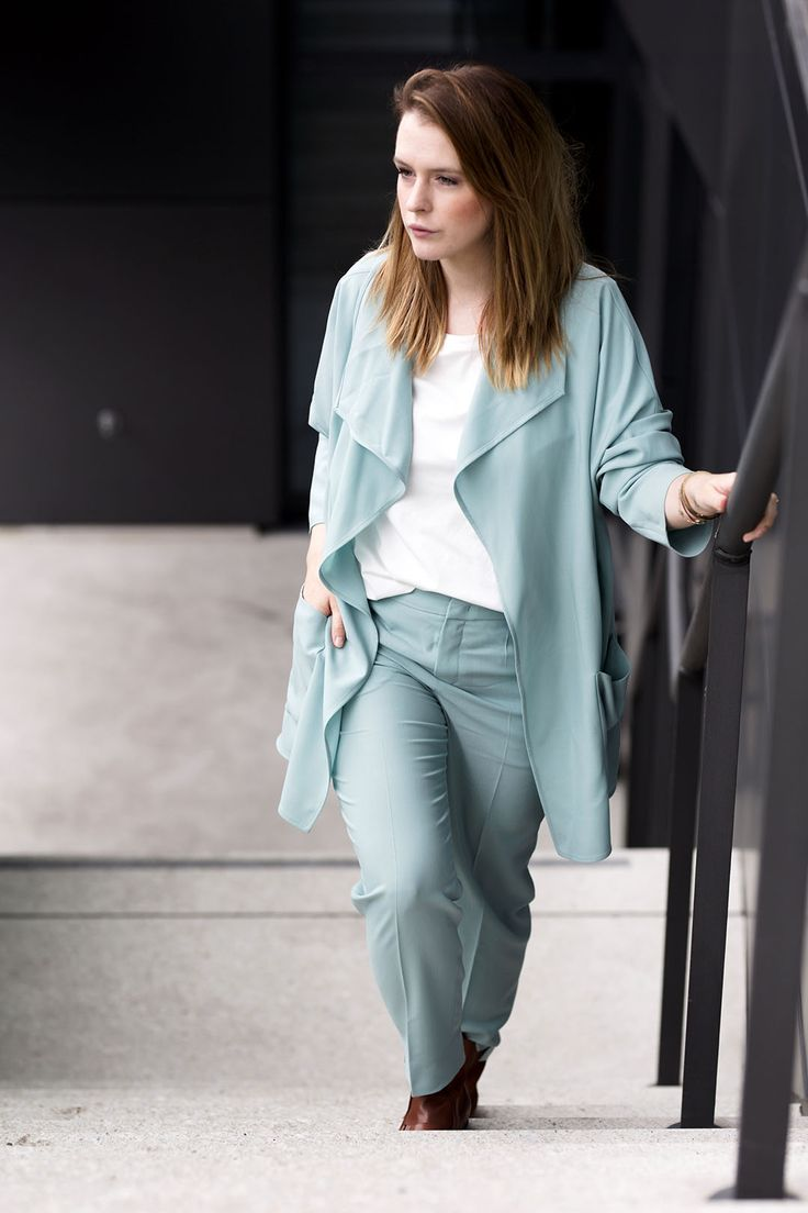 mint business outfit casual strenesse