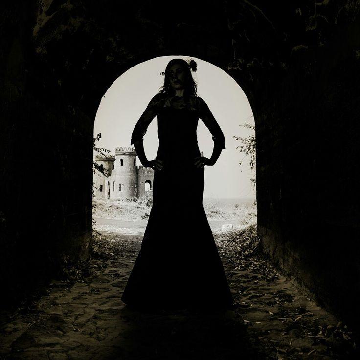 11 giorni ottobre ci ha già rubato  10 la top ten di Ragusani nel Mondo che mi ha ospitato!  9 i cerchi infernali di Dante in cui le Giornate Europee del Patrimonio abbiamo festeggiato!  Sarà tra 8 post l'apertura del televoto?   7 gli abiti da votare:  Il 6 è quello che più fa tremare!  Il 5 è uno strazio d'amore....   Il 4 il castello-prigione  Il 3 a nozze col fato  Il 2 la freccia che cupido ha schioccato  L'1 cotanta bellezza tanta ira ha suscitato!!!