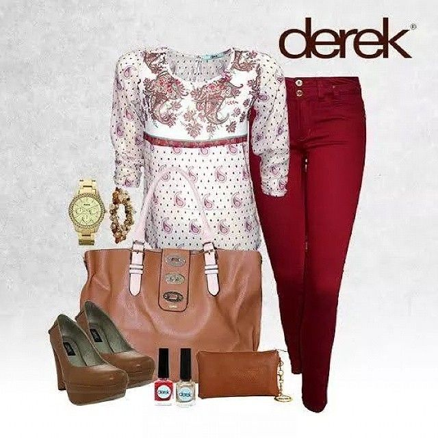Derek hoy ofrece un look muy casual y adecuado para ir a trabajar #Tshirt #pants #shoes #bag #accesory #accesorio #Mujer #latina #fashion #moda #style #goodlooking #pretty #cccuartaetapa