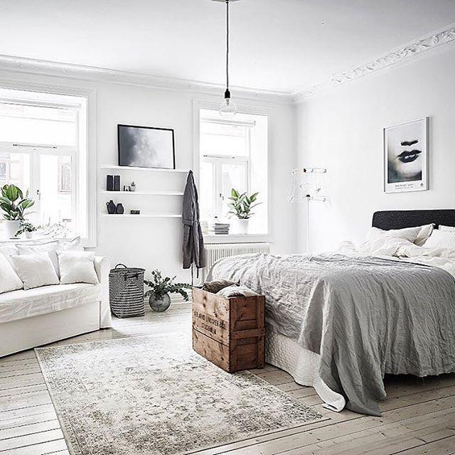 Relaxed Scandi bedroom. via @entrancemakleri #scandinavian #homedecor #whiteliving #simplicity #bedroom
