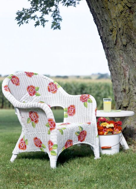 give a wicker chair new life with just a bit of paint....colors and patterns...the possibilities are endless! Lovely idea