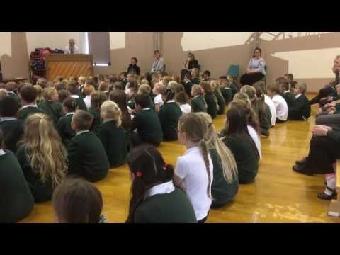 """In harmony"" is an easy and uplifting three-part warm-up – perfect for kick-starting rehearsals!  In this video, Music Education Consultant Susie Jones uses In harmony to engage the different year groups at Percy Main Primary School, emphasising diction, pitch and rhythm in order to pull the different parts of the song together."