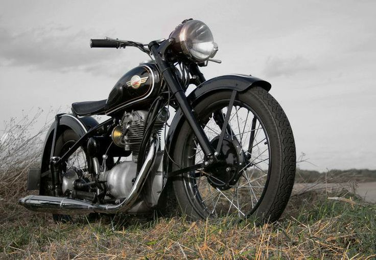 AWO 425 Touren, beautiful! Looks like one of my father's motorcycles Simson