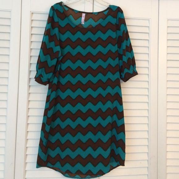 Francesca's chevron print dress  Francesca collections Chevron Print Dress. 3/4 sleeves in teal and brown. Size medium Francesca's Collections Dresses