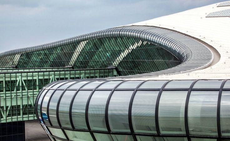 Baku Airport - Referenz - Waagner Biro