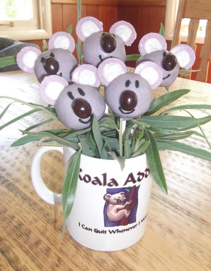 Adorable koala cake pops.