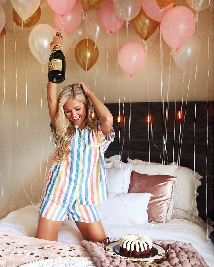 Birthday Picture Idea With Balloons And Champagne 21st Birthday