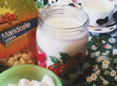 Le ricette del risparmio: Latte di mandorle fatto in casa